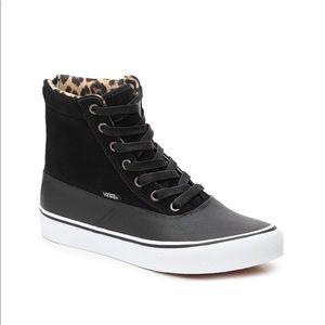Vans CAMDEN Black Leather High Top Sneakers. Sz 10
